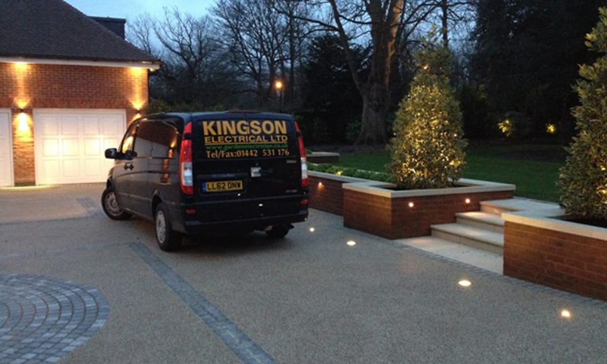 kingson garden lighting electricians working at residential property